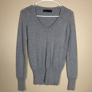 ZARA PREPPY GRAY COTTON V-NECK SWEATER